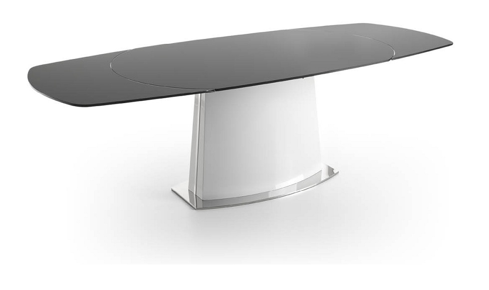 Extendable Dining Table with Black Glass top
